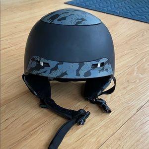 Anon ski helmet - Medium